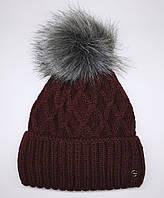 Зимняя женская шапка с отворотом и меховым бубоном. Полностью на флисовой подкладке. Бордовая.