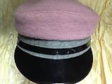 Картуз из двухцветного серо розового драпа с лаковым козырьком 55-57 см, фото 2