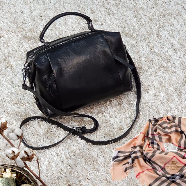 Женская маленькая сумка черная