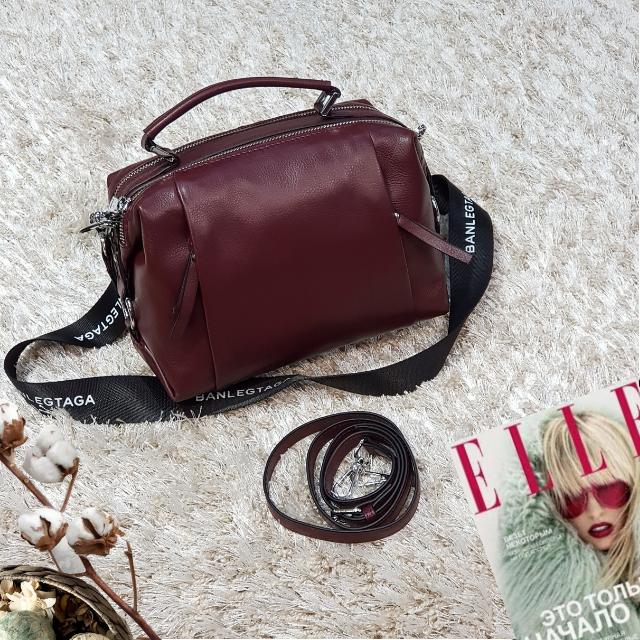 Женская маленькая сумка винная
