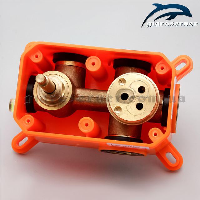Встраиваемый смеситель для душа SVB-03 с переключателем на 3 режима для комплектации душевых систем, гарнитуров, душевых программ.