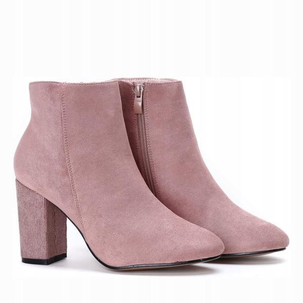 Стильные ботинки из весенне-осенней колекции