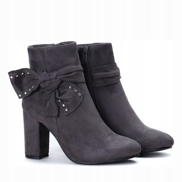 Ботинки польские на каблуке сбоку бантик