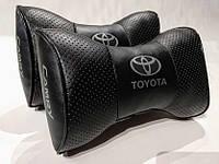 Подушка на подголовник Toyota CAMRY черная