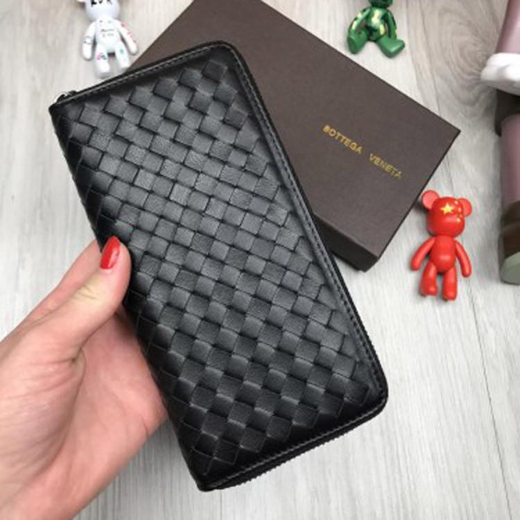 Кожаный кошелек Bottega Veneta черный клатч на молнии из натуральной кожи женский мужской Боттега реплика