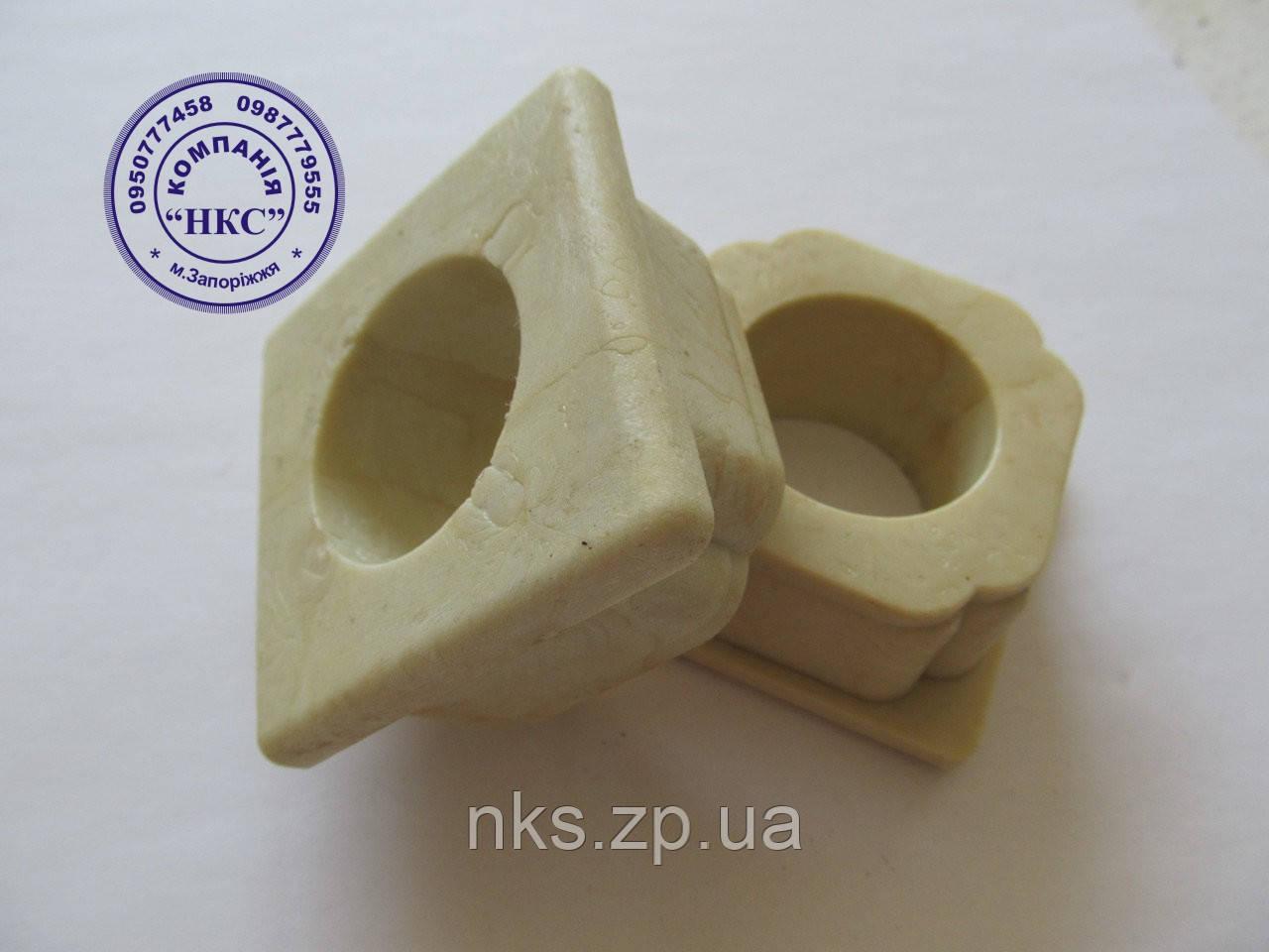 Втулка рамы большая квадратная PZK-5.