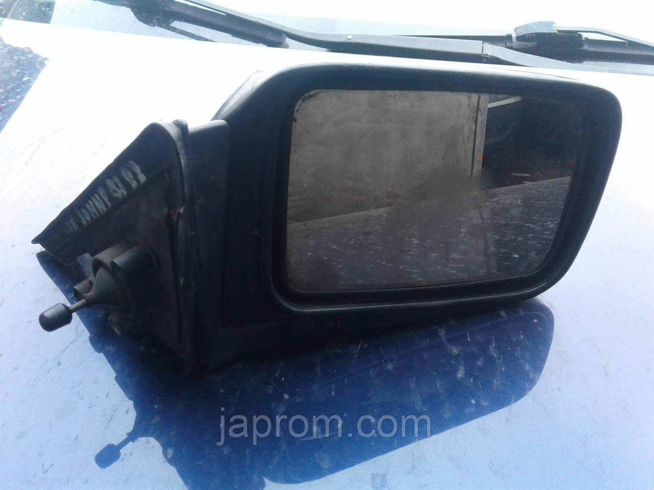 Зеркало заднего вида правое Nissan Sunny B12 1986-1991г.в. черное механическое