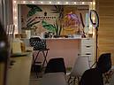 Широкий стол для макияжа с лампами и навесным зеркалом, фото 2