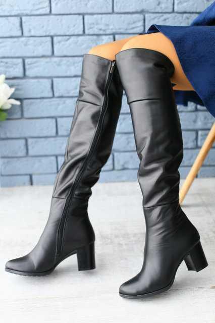 Ботфорты женские натуральная кожа на маленьком удобном каблуке деми/зима (черный)