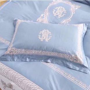 Комплект постельного белья  Roberto Cavalli