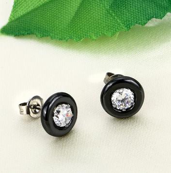 Серьги-гвоздики керамические черные с цирконами код 1504