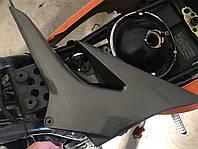 Пластик правый Kawasaki ZR 7 .2003. Запчасти . Разборка