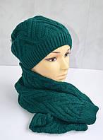 Зимняя теплая шапка с шарфом зеленого цвета