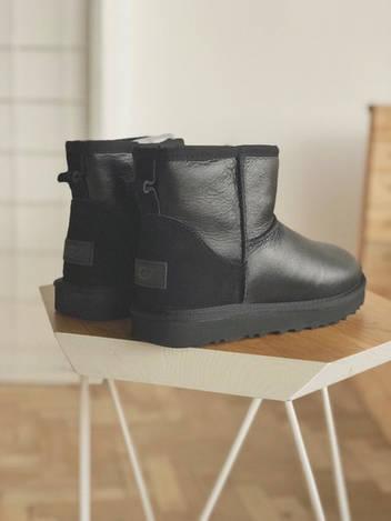 Женские Австралийские угги с мехом UGG Australia Mini Leather чёрные, реплика