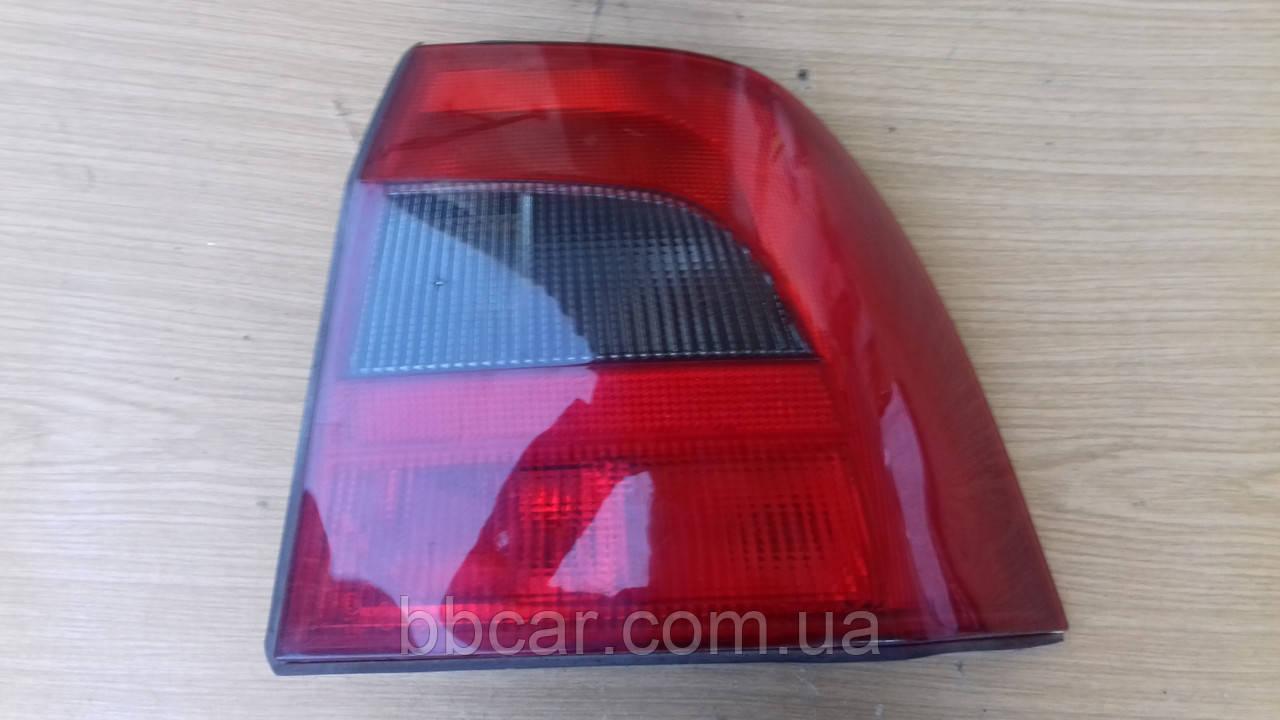 Задний фонарь  Opel Vectra B  Yorka 5198 ( R )