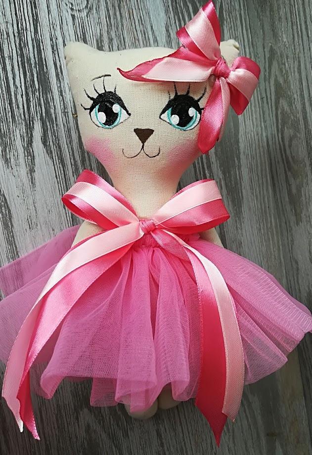 Игрушка кошка розовом платье ручная работа hand made