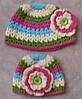 Вязанная шапочка с цветком на весну для девочки с 6мес до 3 лет