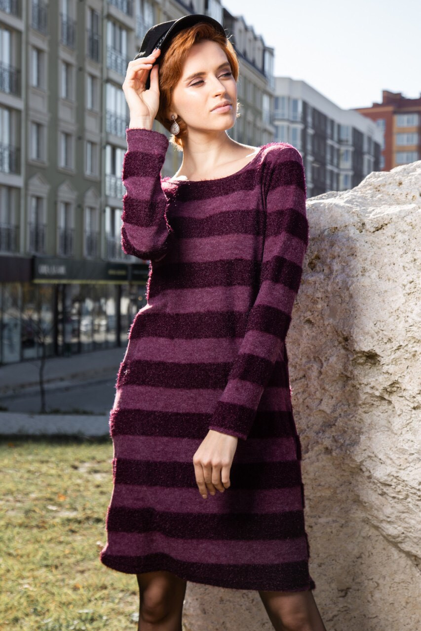 Женское тёплое платье с хомутом выше колена 42 по 48