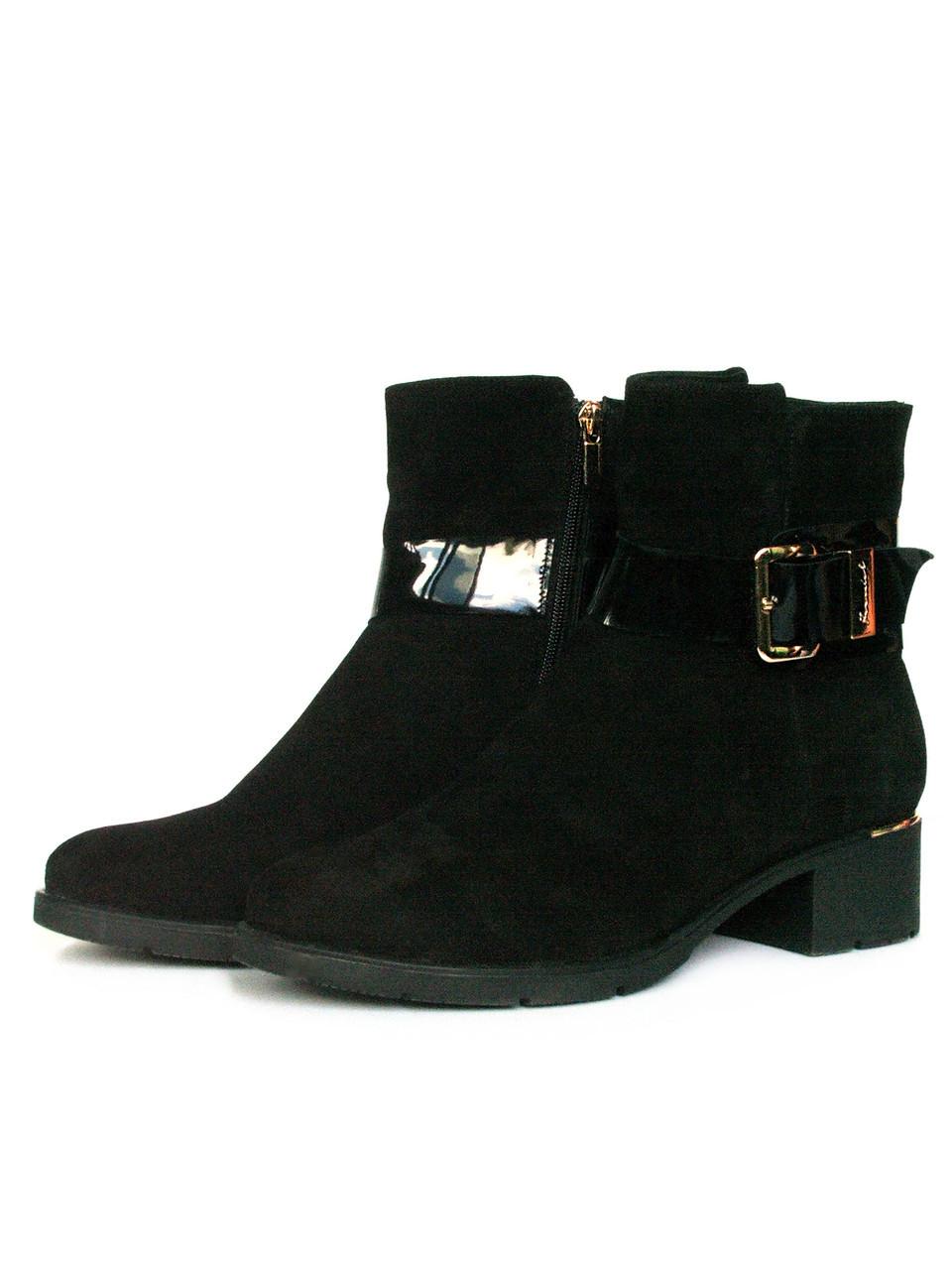 Удобные зимние ботинки из черной замши