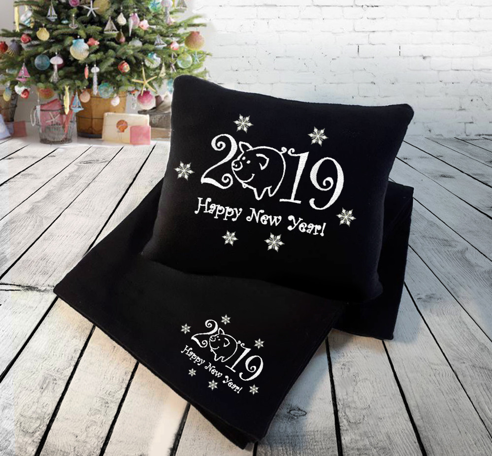 """Набор: подушка + плед """"Happy New Year 2019!"""" 02  цвет на выбор"""