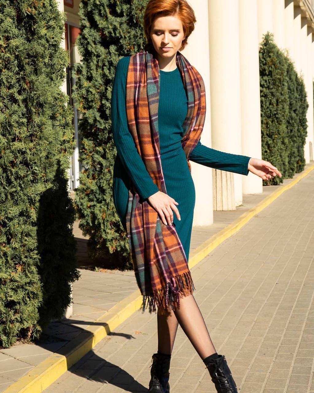 Жіноче плаття футляр нижче коліна зелене, сіре, чорне нижче коліна 42, 44