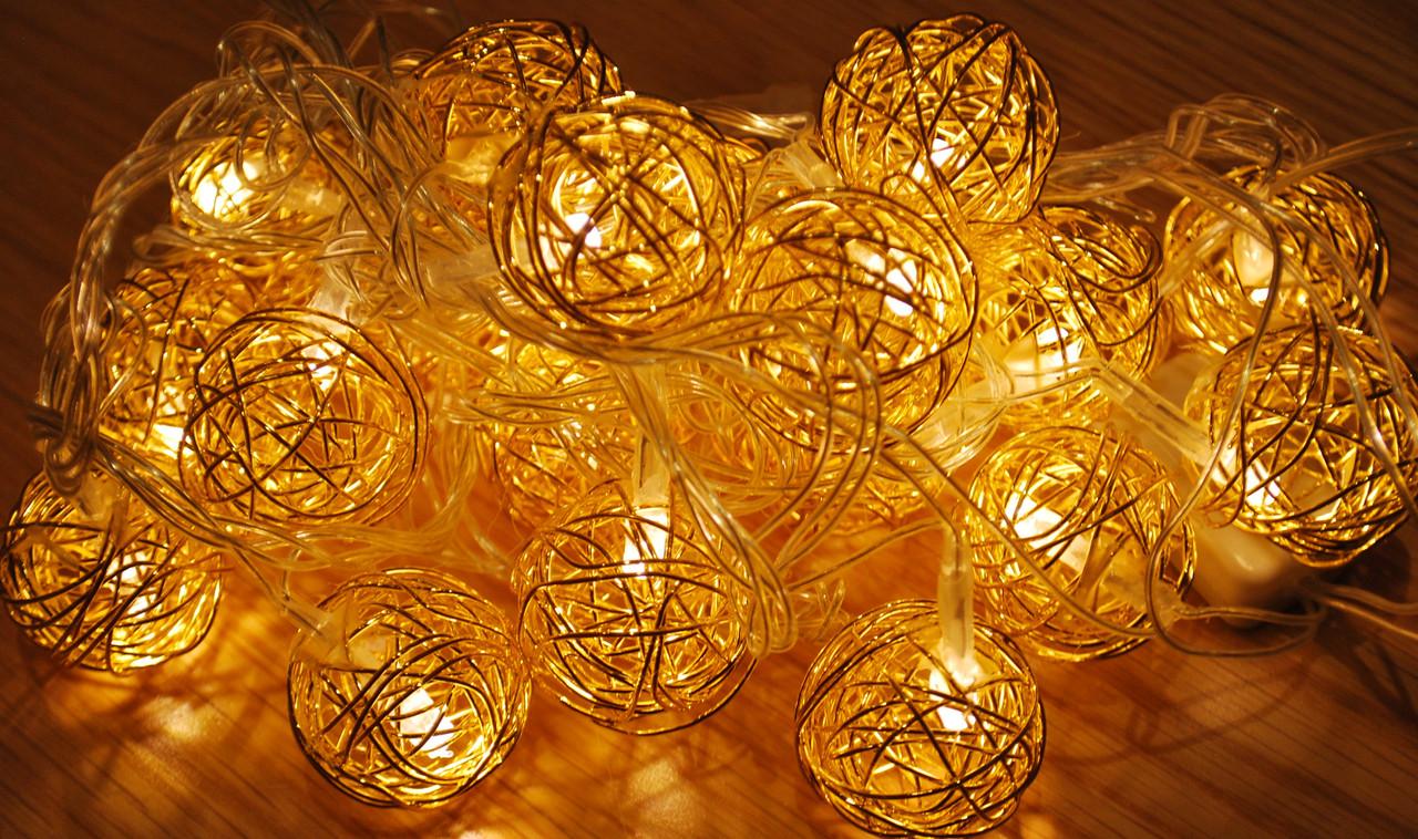 Новорічна гірлянда з фігурками, кулька колір золото 20LED