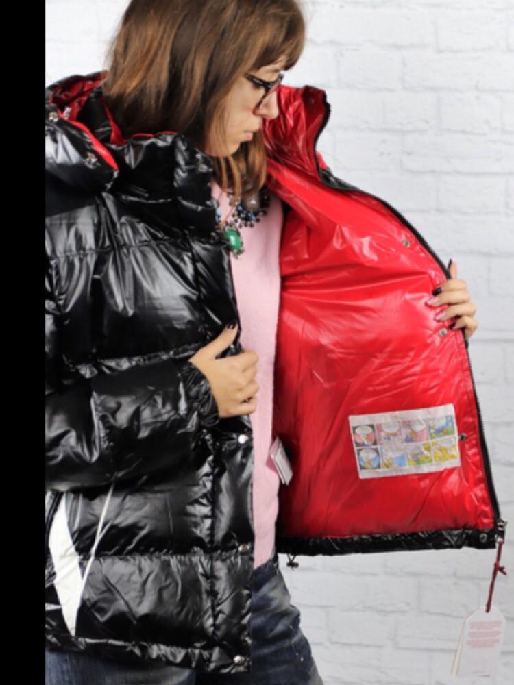 7dacdcc5 Куртка короткая монклер Valentino черно-красная - Ева21века. Все вопросы на  viber/whatsApp