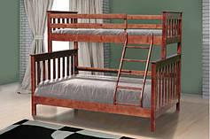 Кровати двухъярусные, деревянные.