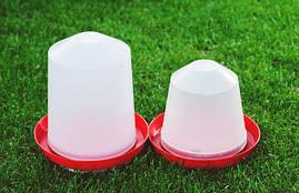 Поїлка пластикова об'ємом 3 л