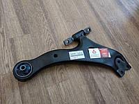 Рычаг подвески нижний Toyota Camry Lexus ES 48069-33060