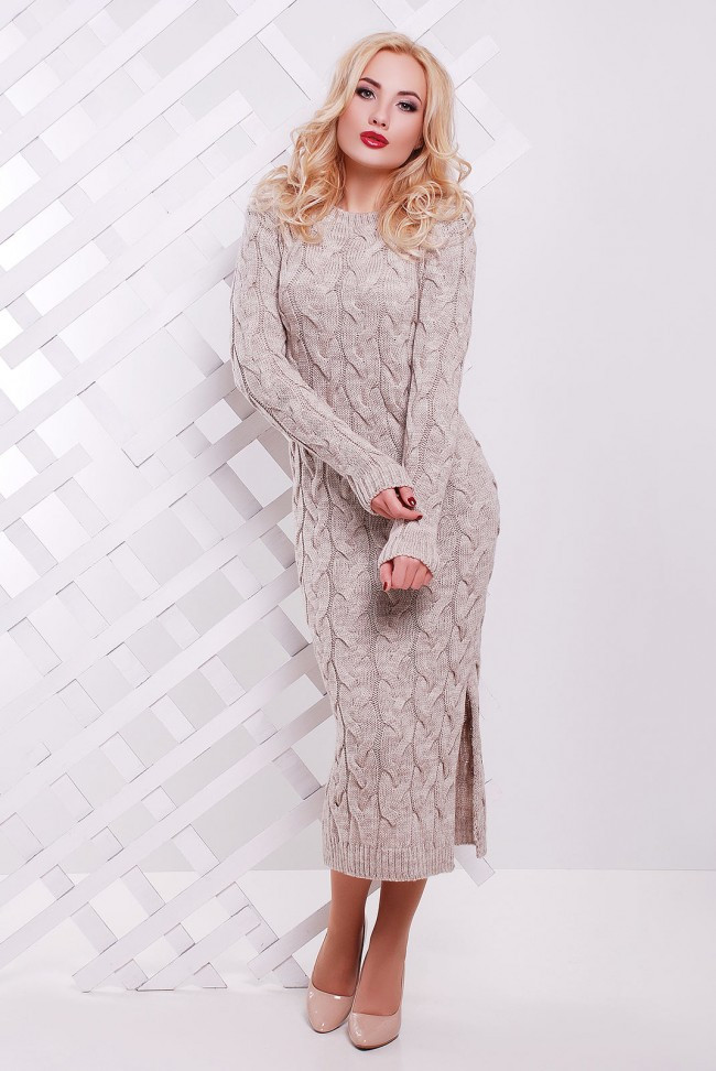 0c354a310ea Теплое вязаное платье миди в крупную косичку с разрезом сбоку