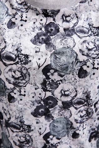"""Женский демисезонный свитшот с цветочным принтом спереди """"Floret"""" светло-серый, фото 2"""