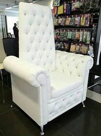 Кресло педикюрное с ножками Трон Ice Queen на четыре пуговицы, кожзаменитель Boom-01 (Velmi TM)