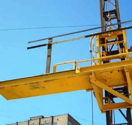 Строительный подъемник мачтовый секционный с выкатной платформой ПМГ г/п 750 кг . Мачтовые подъёмники Н-81 м, фото 2