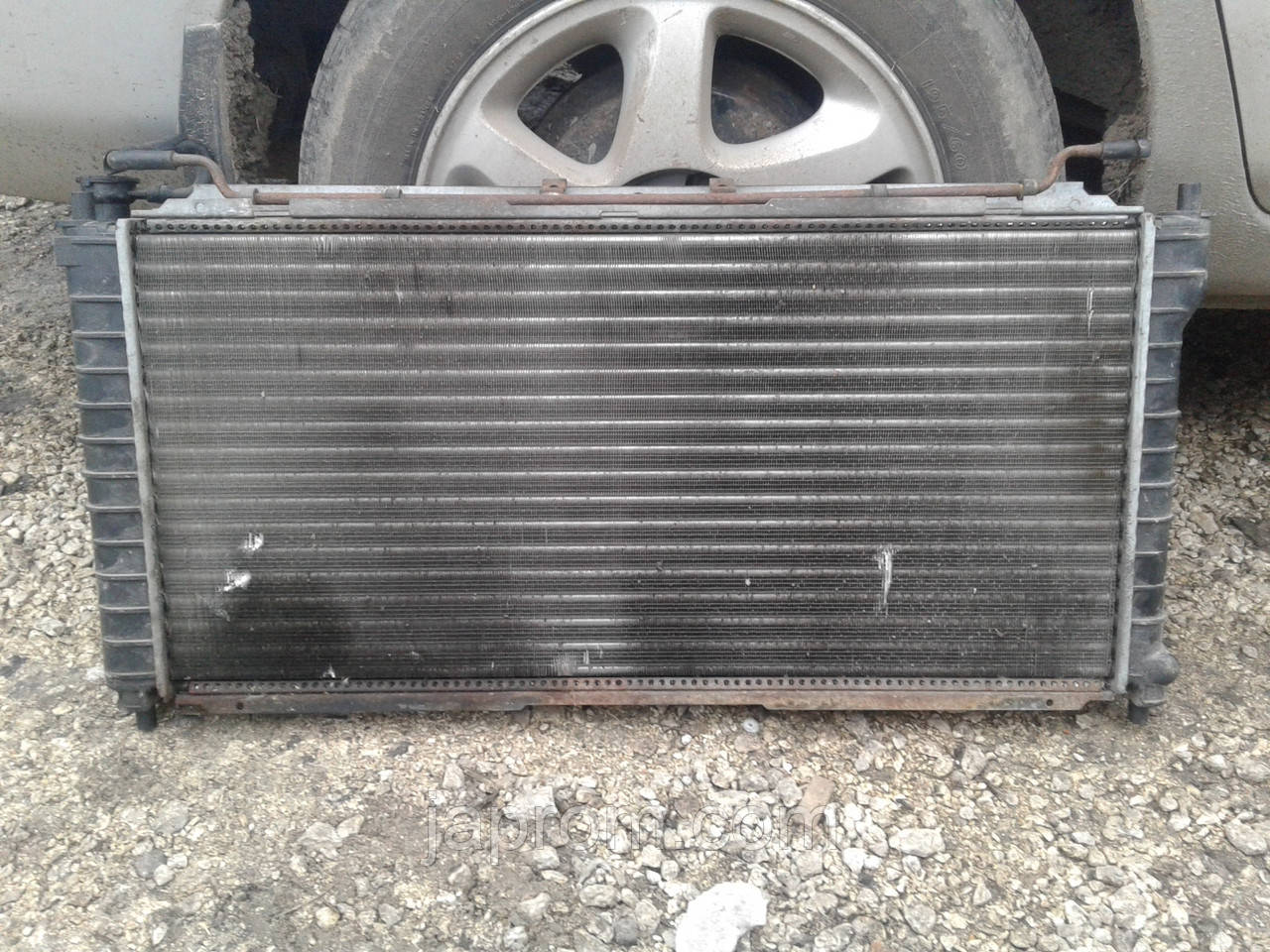 Радиатор охлаждения двигателя Mazda 626 GE 1992-1997г.в. 2.0 бензин