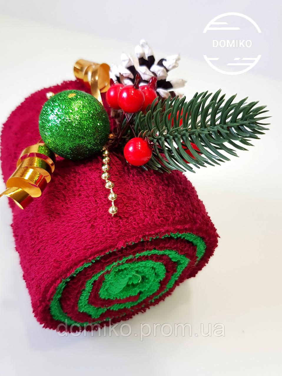 Подарок из полотенец Рулет новогодний