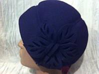 Мини берет шапочка из фетра украшенный ажурными лепестками
