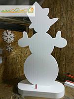 Снеговик из пенопласта на подставке высотой 100 см