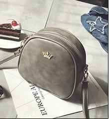 Женская маленькая сумочка на молнии серая через плечо