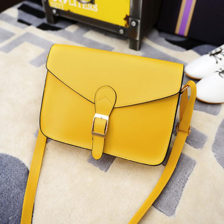 Женская сумочка маленькая через плечо желтая
