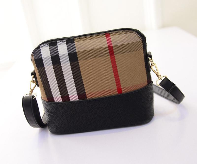 Женская сумочка маленькая через плечо коричневая клетка