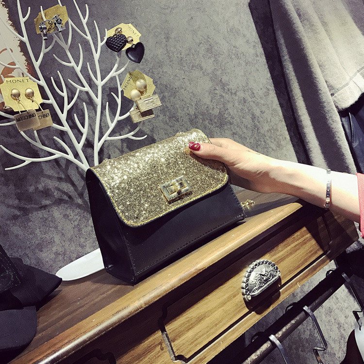 Женская сумочка маленькая черная с золотистыми блестками и ремешком-цепочкой опт
