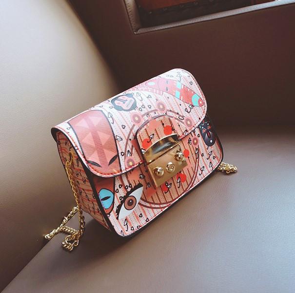 Женская сумка маленькая на цепочке через плечо с этно рисунком