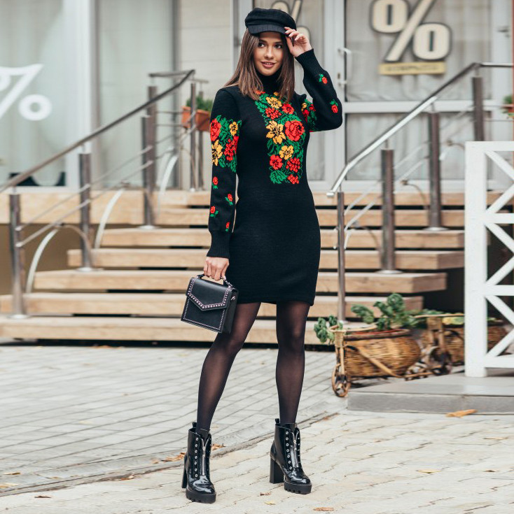 Платье вязаное Рябина черное с ало-желтыми цветами
