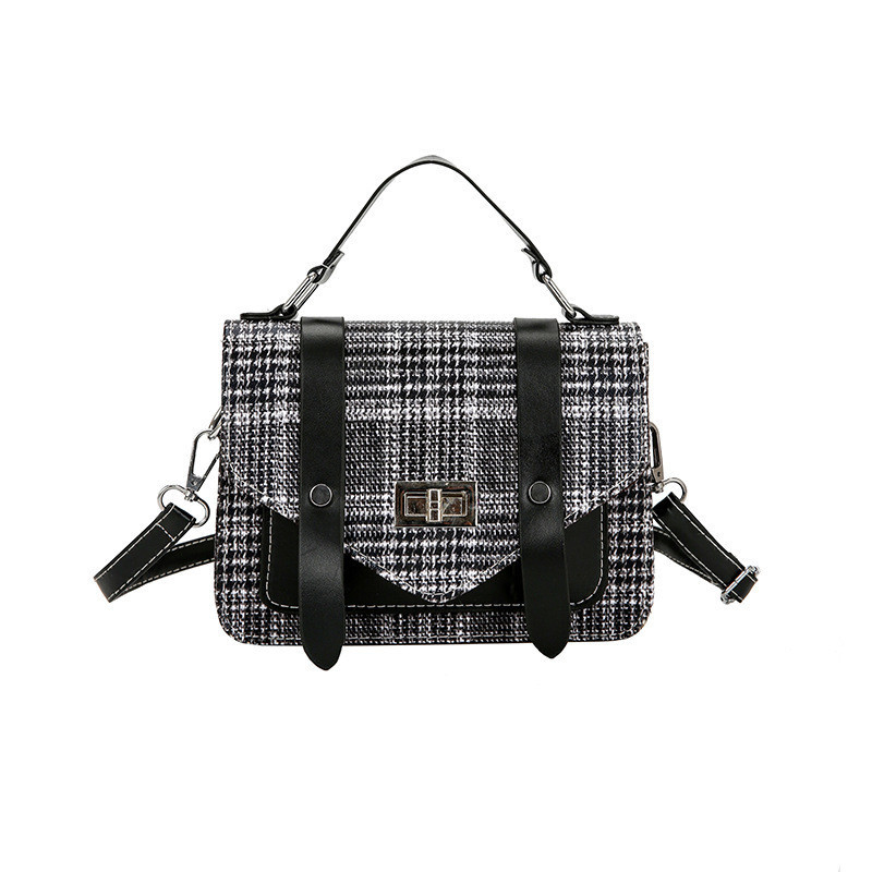 Женская маленькая сумочка в клетчатый принт с черными вставками опт