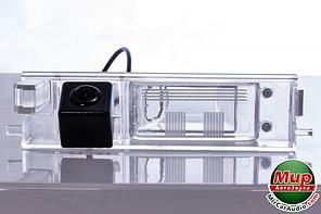 Камера заднего вида Fighter CS-HCCD + FM-32 (Toyota)