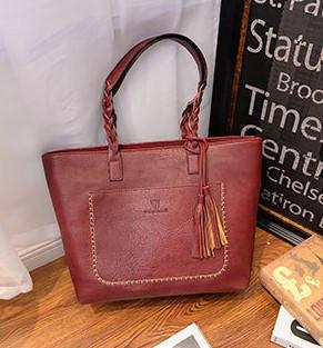 Женская сумка большая бордовая с кисточкой из экокожи опт