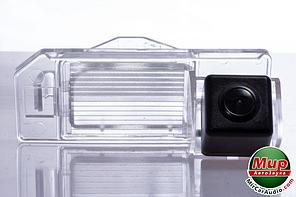 Камера заднего вида Fighter CS-CCD + FM-36 (Mitsubishi/Citroen/Peugeot)