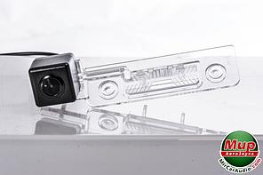 Камера заднего вида Fighter CS-CCD + FM-17 (Skoda/Ford)