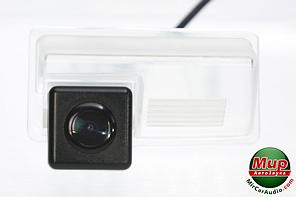 Камера заднего вида Fighter CS-HCCD + FM-71 (Geely)